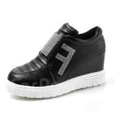 Ботинки. 36