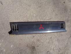 Решетка радиатора. Mitsubishi Delica, P35W, P24W, P25W Двигатели: 4D56, 4G64MPI