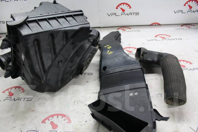 Корпус воздушного фильтра. Audi A4, B7