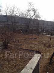 Продам земельный участок по ул. 2-я гражданская 4. 650 кв.м., собственность, электричество, вода, от агентства недвижимости (посредник). Фото участка