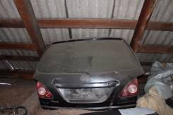 Дверь багажника. Toyota Harrier