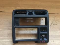 Консоль панели приборов. Toyota Granvia, VCH16, KCH10, KCH16, VCH10