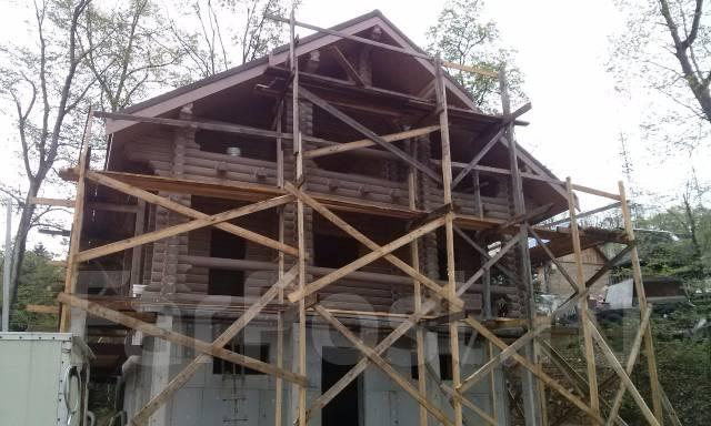 Строительство из бревен, сруба.