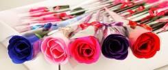 Необычный подарок-роза из мыла светло-розового цвета