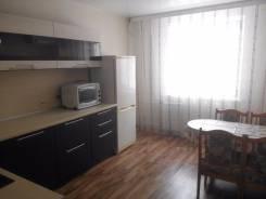 2-комнатная, ул. Краснореченская, район остановки спутник. Индустриальный, частное лицо, 69 кв.м.