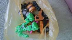 Мелкие игрушки для мальчика
