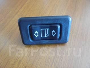 Кнопка стеклоподъемника. Mercedes-Benz G-Class