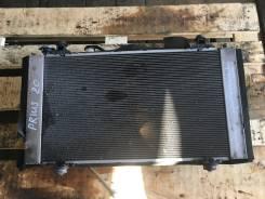 Радиатор охлаждения двигателя. Toyota Prius, NHW20