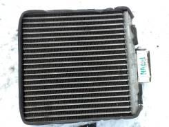 Корпус радиатора отопителя. Nissan Almera, N16 Двигатель QG15DE