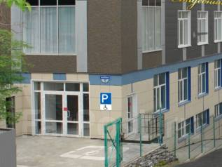 Собственник сдает офисные помещение в новом АТЦ на Баляева . 620 кв.м., улица Сельская 5а, р-н Баляева. Дом снаружи