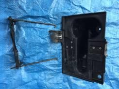 Крепление аккумулятора. Infiniti FX35