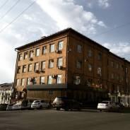 Сдается цокольное помещение в центре города. 200 кв.м., проспект Океанский 29, р-н Центр. Дом снаружи