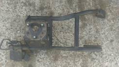 Крепление запасного колеса. Toyota Hilux Surf, VZN185W Двигатель 5VZFE