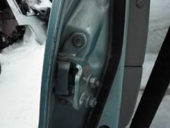 Крепление боковой двери. Toyota Prius, NHW10 Двигатель 1NZFXE