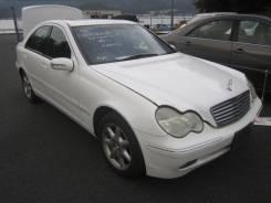 Передняя часть автомобиля. Mercedes-Benz C-Class, W203
