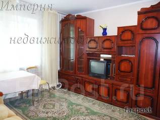 Гостинка, улица Ильичева 20а. Столетие, агентство, 25 кв.м. Комната