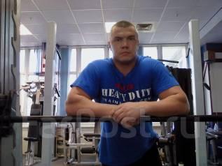 Тренер по бодибилдингу и фитнесу.