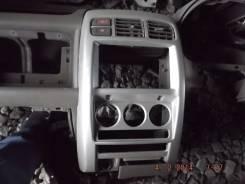 Консоль панели приборов. Nissan Cube, AZ10, ANZ10, Z10 Двигатели: CGA3DE, CG13DE