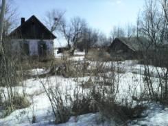 Продается ветхий дом с большим участком. Зеленая 7, р-н Спасский р-н, с.Красный Кут, площадь дома 35 кв.м., электричество 7 кВт, отопление твердотопл...