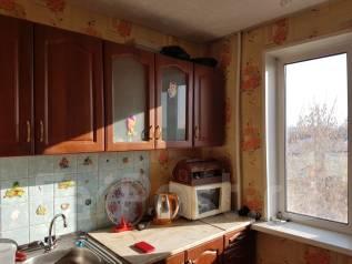 2-комнатная, улица Жуковского 43. рынок, агентство, 47 кв.м.