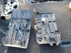 Крепление аккумулятора. Toyota Hiace, KDH205, KDH205V, KDH206, KDH206V
