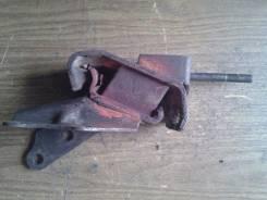 Подушка двигателя. Mazda 626