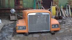 Капот. Freightliner