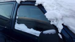 Стекло боковое. Chrysler Voyager