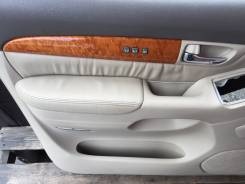 Обшивка двери. Lexus GX470, UZJ120