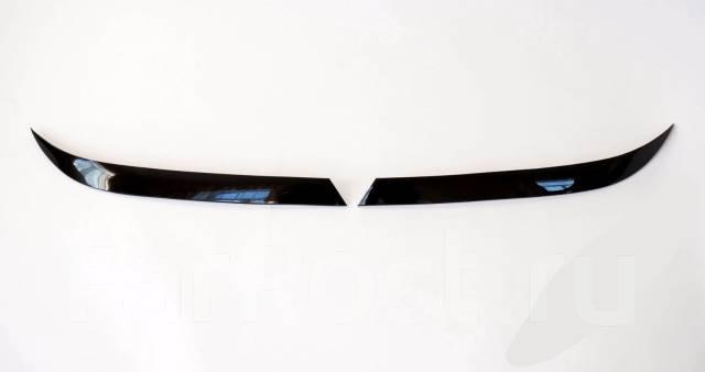 Накладка на фару. Nissan Presage