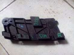 Крепление противотуманной фары. Nissan Tiida, C11, JC11, NC11
