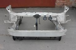 Рамка радиатора. Toyota Ipsum, ACM21