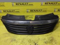 Молдинг решетки радиатора. Renault Logan