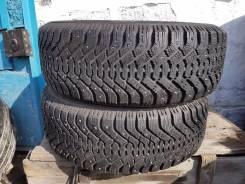 Dunlop SP Ice Response. Зимние, шипованные, износ: 20%, 2 шт