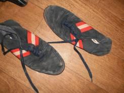 Ботинки старые