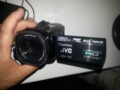 JVC Everio GZ-HD6. 20 и более Мп, с объективом
