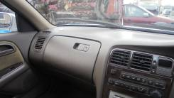 Бардачок в панели Toyota CRESTA