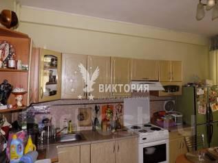 2-комнатная, улица Адмирала Кузнецова 86. 64, 71 микрорайоны, проверенное агентство, 61 кв.м. Интерьер