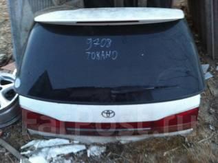 Стекло заднее. Toyota Vista Ardeo