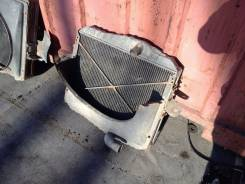 Радиатор охлаждения двигателя. Isuzu Forward