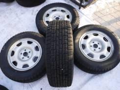 Goodyear Ice Navi Zea. Зимние, без шипов, износ: 10%, 4 шт