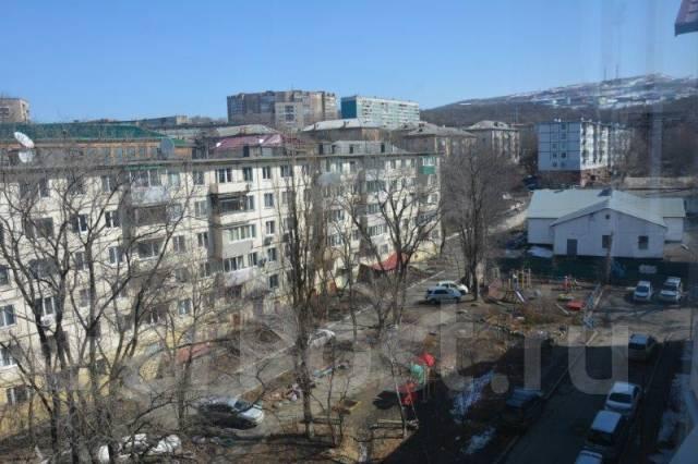 3-комнатная, улица Вострецова 8в. Столетие, агентство, 74 кв.м. Вид из окна днём