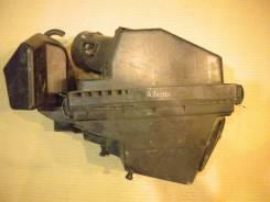 Корпус воздушного фильтра. Nissan AD, WRY11