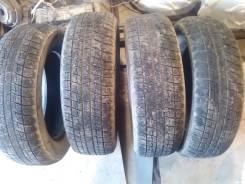 Bridgestone Blizzak Revo1. Всесезонные, износ: 20%, 4 шт