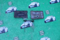 Крепление аккумулятора. Toyota: Wish, Opa, Caldina, Allion, Isis, Premio Двигатели: 1ZZFE, 1AZFE, 1AZFSE, 3SGTE, 1NZFE, 3ZRFAE, 2ZRFAE