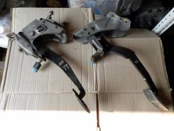 Педаль сцепления. Nissan Skyline, HR34, ER34
