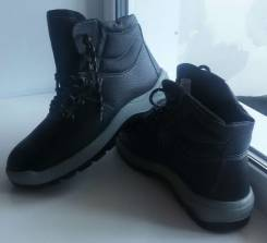 Ботинки. 45