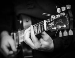Ищу гитариста соратника по творчеству.