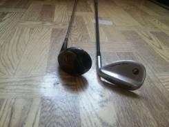 Клюшки для гольфа.