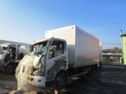 Hino. Изотермический фургон 4.0MT после ДТП, 4 000 куб. см., 5 000 кг.